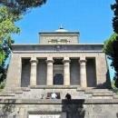 Sul Mausoleo Schilizzi a Napoli